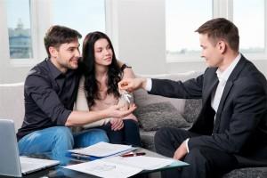 Qual é a diferença entre financiamento de imóvel e consórcio?